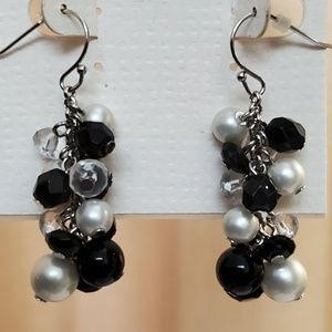 LOFT B&W Cluster Bead Earrings #489